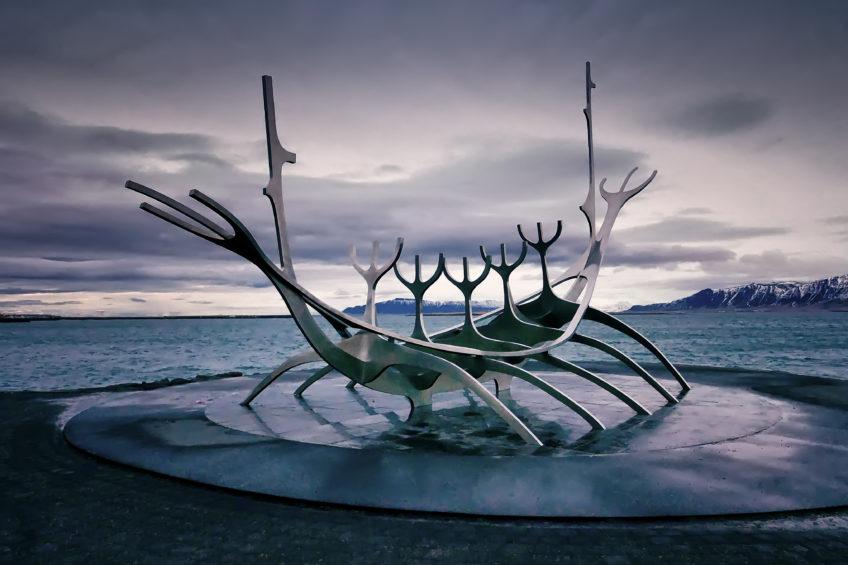 Island – časť tretia …