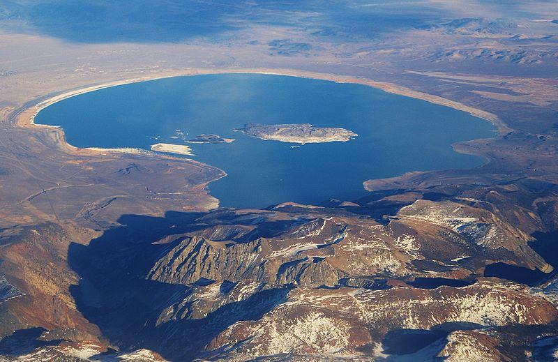 800px-Mono_Lake,_CA