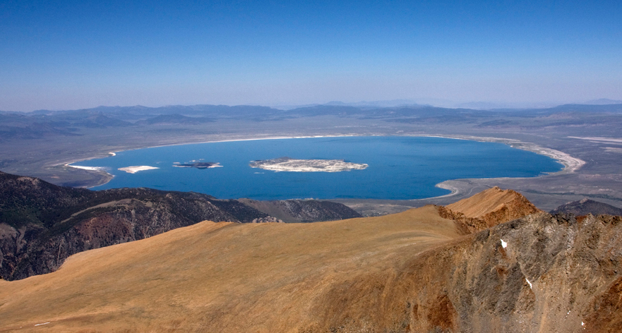 Mono_Lake_from_Mount_Dana_(1)